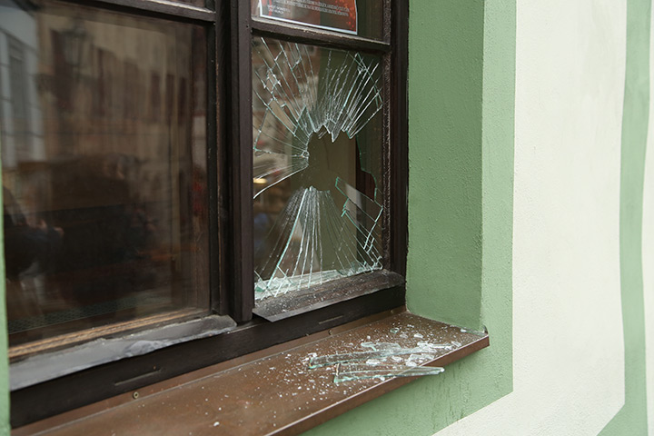 A2B Glass are able to board up broken windows while they are being repaired in Willesden Green.